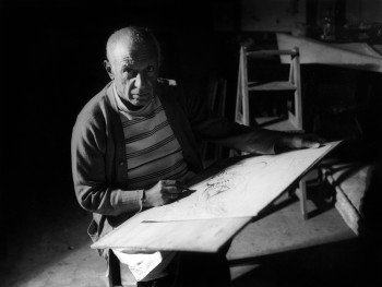 Michel Sima, Pablo Picasso drawing in Antibes, 1946