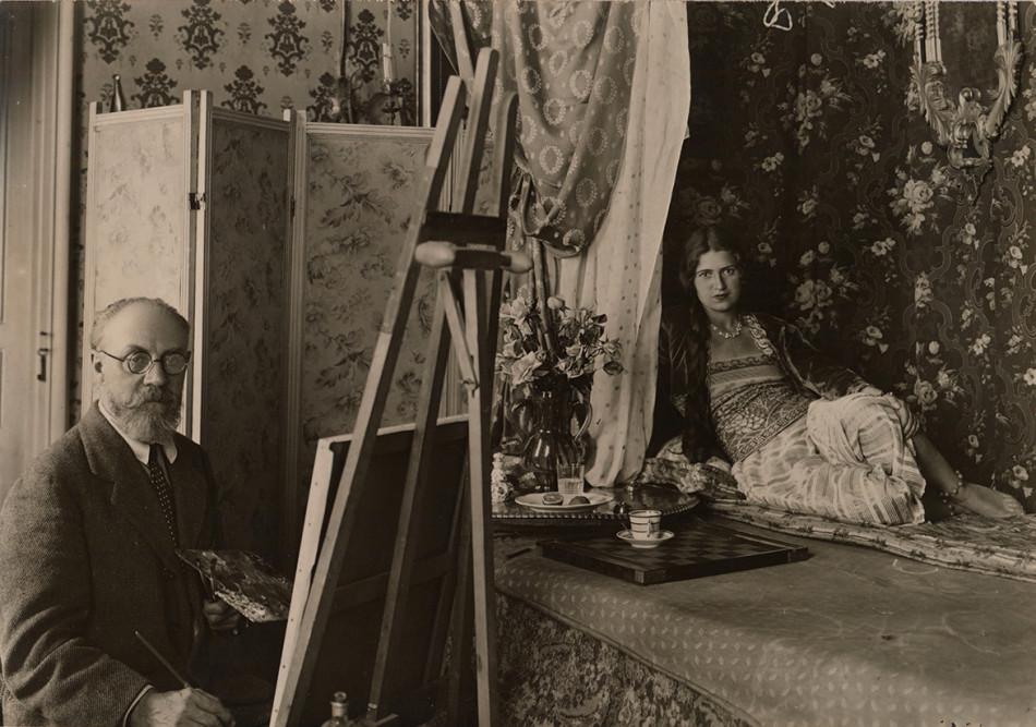Fotografía de Matisse pintando
