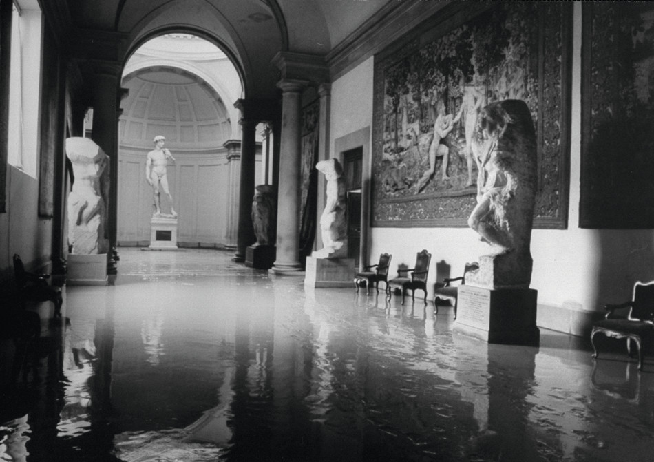 the great flood of florence 1966 a photographic essay Buy the great flood of florence: a photographic essay by swietlan nicholas kraczyna from whsmith today  1966, florence experienced the most devastating flood of.
